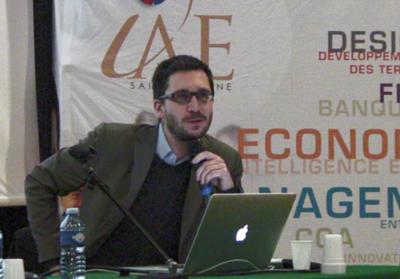 photo de Matthieu Crozet lors de la conférence à l'IAE de Saint-Etienne